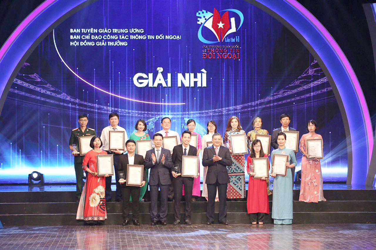 Lần thứ 2 liên tiếp Tạp chí Việt – Mỹ đoạt giải Nhì giải thưởng toàn quốc về Thông tin Đối ngoại