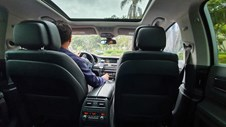 Taxi công nghệ gặp khó