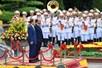 Thủ tướng Nguyễn Xuân Phúc tiếp đón và hội đàm với Thủ tướng Nhật Bản