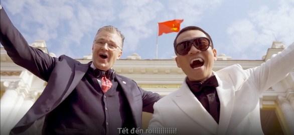 """Đại sứ Mỹ trở thành Rapper hát """"Tết ở Việt Nam là vui nhất""""  """