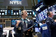 Ồ ạt bán tháo cổ phiếu công nghệ Mỹ, dòng tiền lao vào nhóm ngân hàng