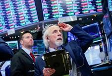 Chứng khoán Mỹ chìm trong sắc đỏ, cổ phiếu công nghệ sụt giảm mạnh