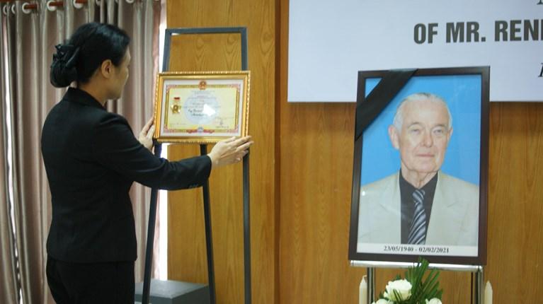 Lễ tưởng niệm nhà hoạt động hòa bình Mỹ Rennie Davis