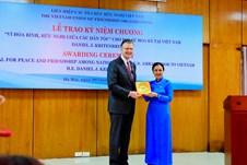 Trao Kỷ niệm chương Vì hòa bình tặng Đại sứ Hoa Kỳ tại Việt Nam