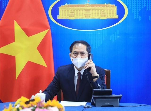 Vietnam, US to further intensify bilateral relations: top diplomats