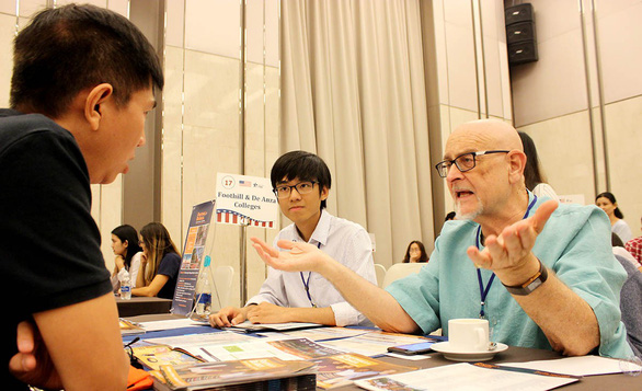 More American students come to Vietnam for study: report
