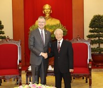 Party leader Nguyen Phu Trong lauds US ambassador's contributions to Viet Nam-US ties