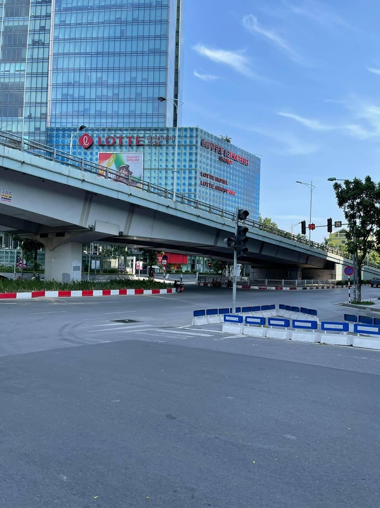 Hanoi extends social distancing for two more weeks